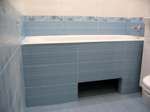 Фото ремонта в ванной комнате под ванной-5