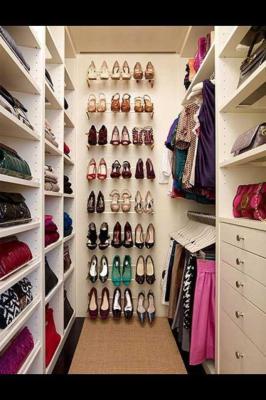 Варианты гардеробной комнаты из кладовки своими руками