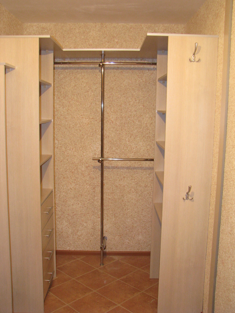 Как из кладовки в коридоре сделать шкаф купе