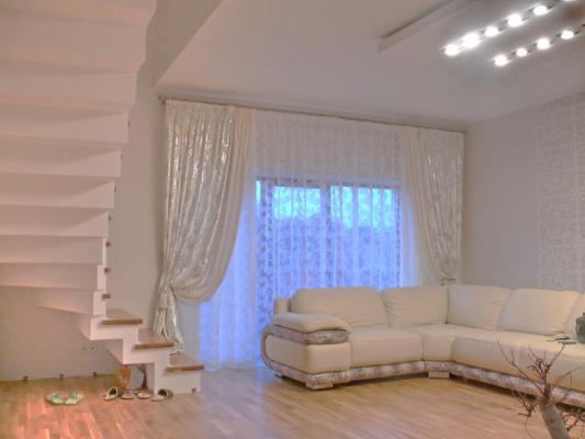 Класический дизайн штор для гостиной
