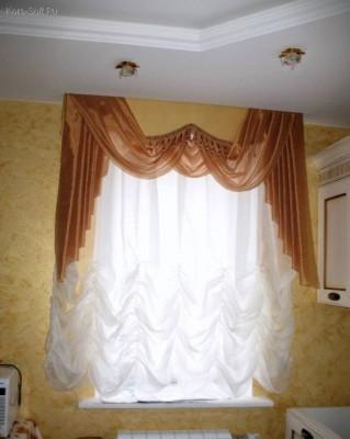 Легкие французские и австрийские шторы для гостиной