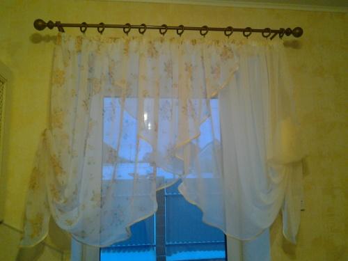 Легкие шторы в гостиную