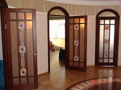 Межкомнтатные двери в зале