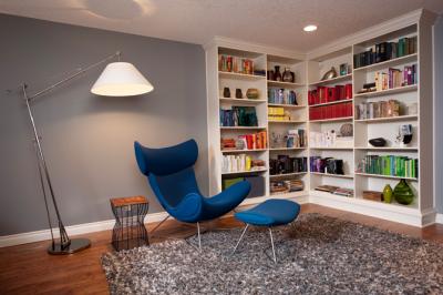 Угловые полки для книг в всю стену