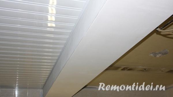 Подвесные реечные потолки установка