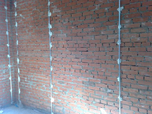 Выравнивание стен по маякам