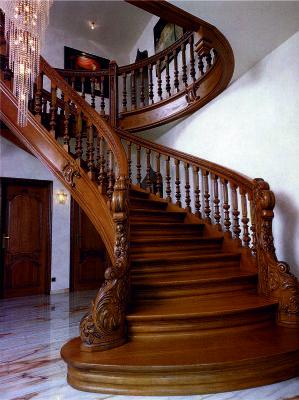 Оформление лестницы в частном доме
