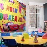как украсить детскую комнату своими руками
