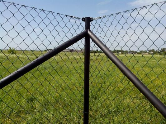 секционный забор из сетки рабицы