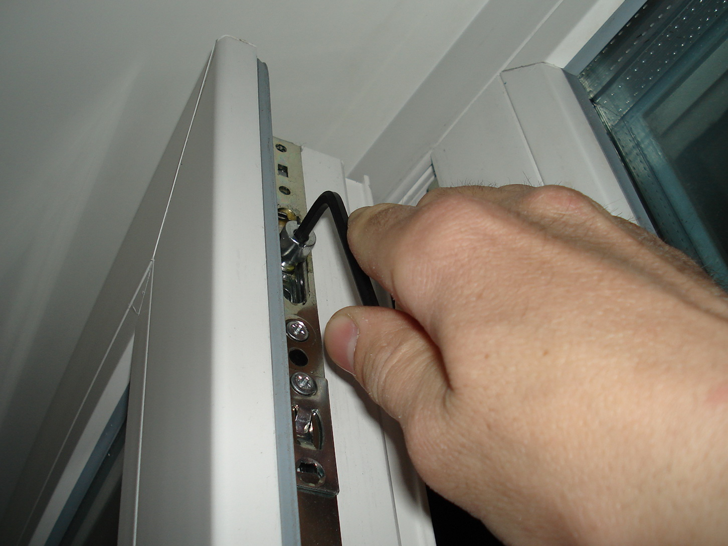 Как отремонтировать пластиковое окно своими руками фото