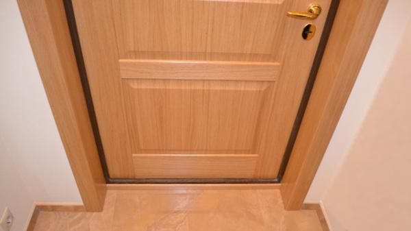 как сделать откосы на двери