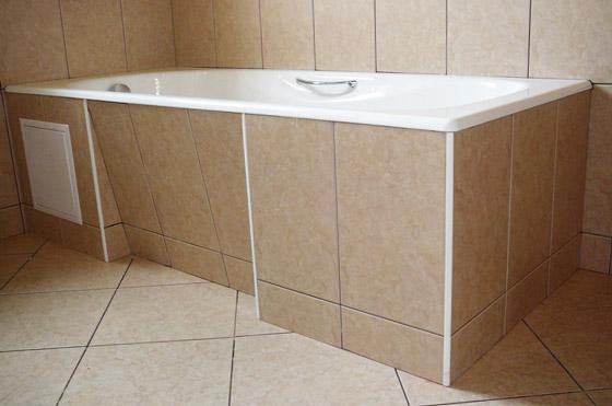 Монтаж панелей в ванной комнате под ванной