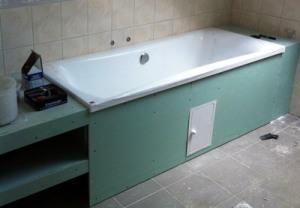 Монтаж гипсокартона под ванной