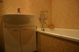 Ванная комната из обшитая ПВХ панелями