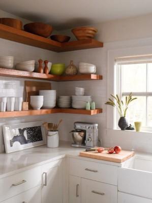 Угловые полки в кухне