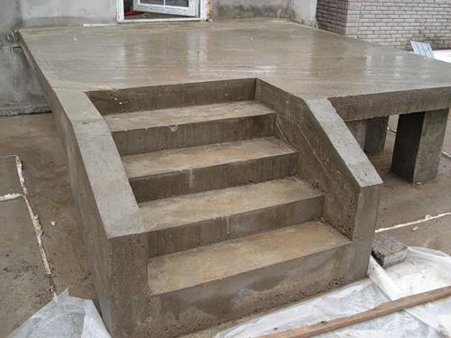 Как построить крыльцо к дому из бетона