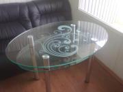 Купить стеклянный стол на кухню