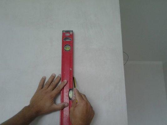 разметка на стене под флизилиновые обои