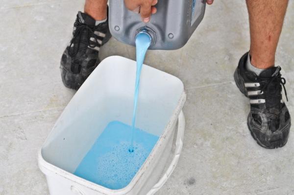 Подготовка раствора для наливного пола